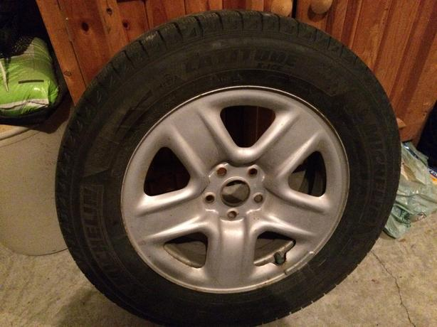 4 Michelin Lattitude Snow Tires and Toyota Winter Rims