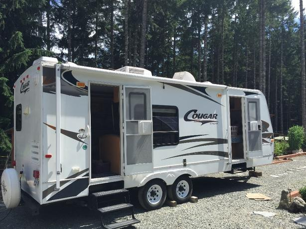 243 RKS 2006 Cougar Travel Trailer