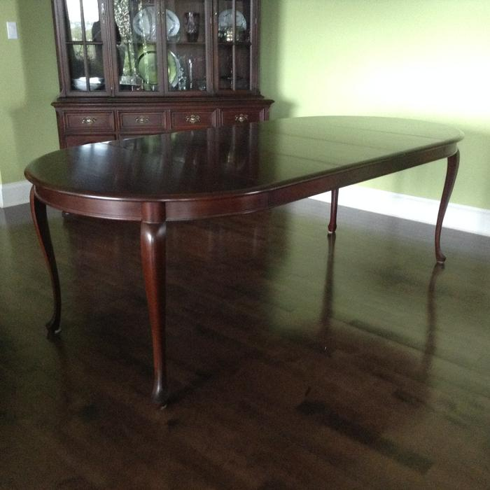 Gibbard Mahogany Dining Suite Table Chairs and China  : 55488173934 from www.usedvictoria.com size 700 x 700 jpeg 50kB