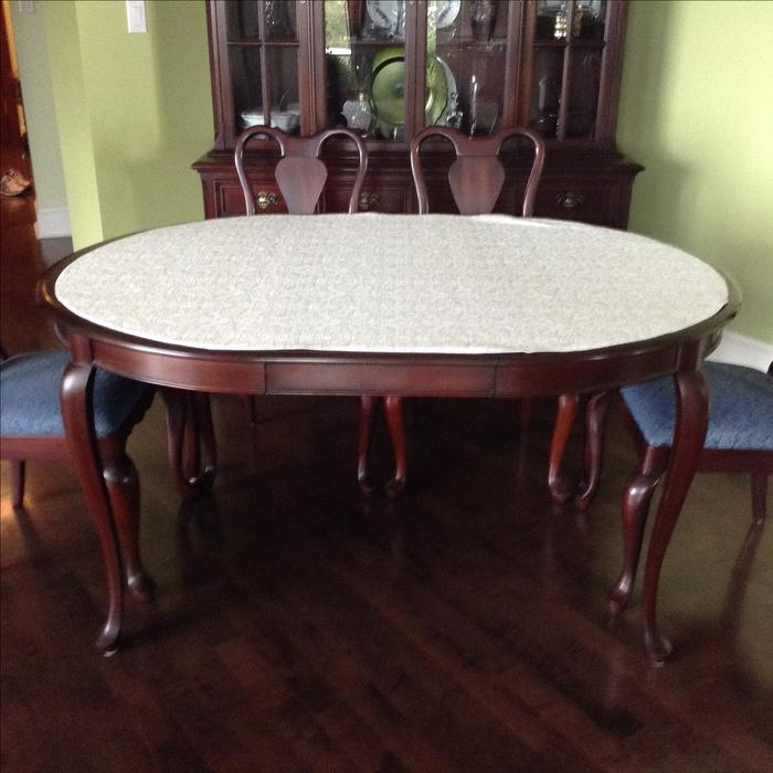 Gibbard Mahogany Dining Suite Table Chairs and China  : 55488186934 from www.usedvictoria.com size 700 x 700 jpeg 55kB