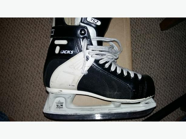 size 9 ccm 352 skates