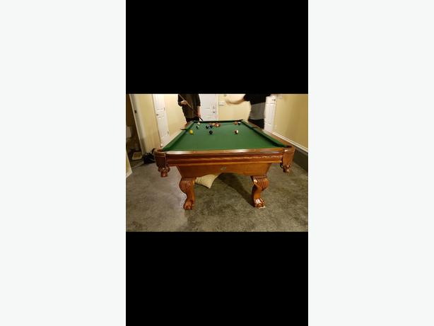 8 ball pool table good condition