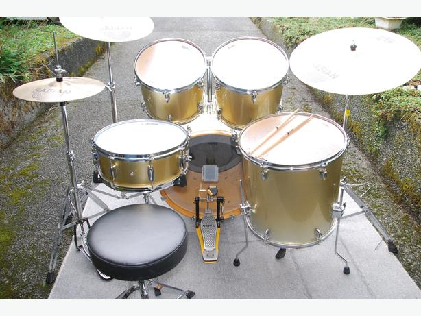 MAPEX DRUM SET – COMPLETE AND READY TO PLAY
