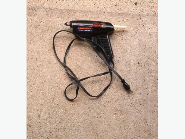 Black & Decker glue gun