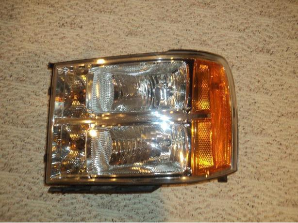 2012 GMC left driver side head light