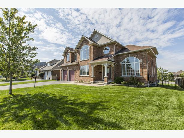 Grand Executive Home For Rent in Barrhaven