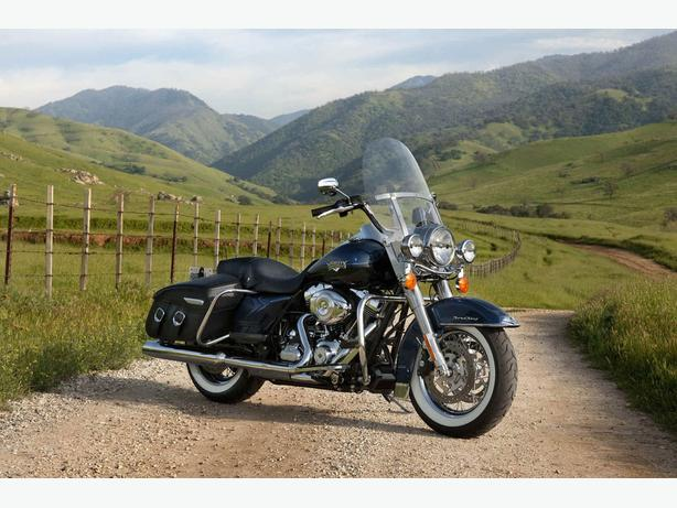 2012 Harley-Davidson Road King Classic--Super Low KMS