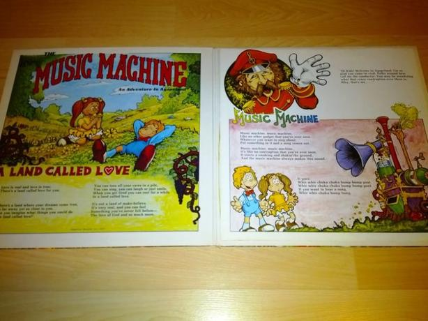Music Machine For The Commodore 64 With Record Vinyl