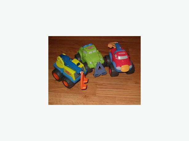 Hasbro,Play-skool pull-string vibrating crane truck , jeep ,