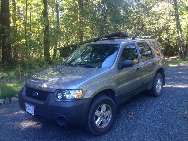 REDUCED! Ford Escape - 4 door Excellent Condition