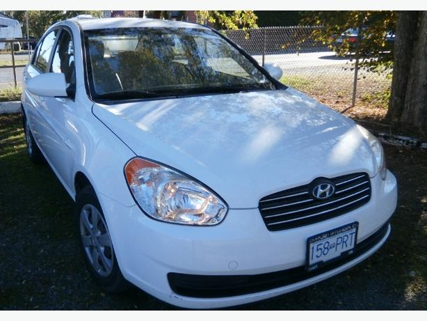 2008 Hyundai Accent L,  70,000 km, sale by owner