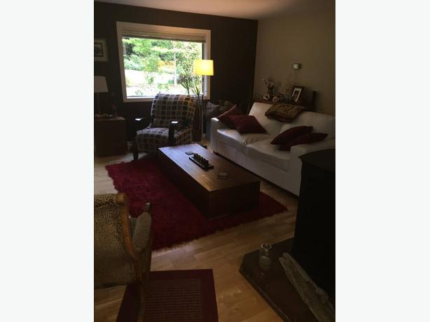 looking for roommate to share 2 bedroom in sunny Saltair Nov 1st.