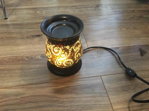 Stained cracked glass lamp/oil diffuser