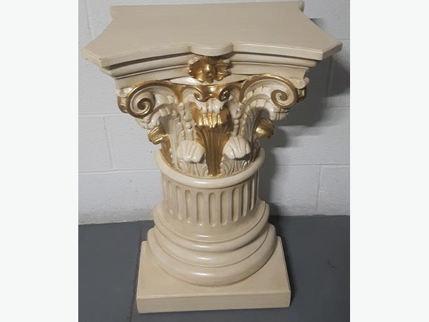 console accent table. European Style antique.