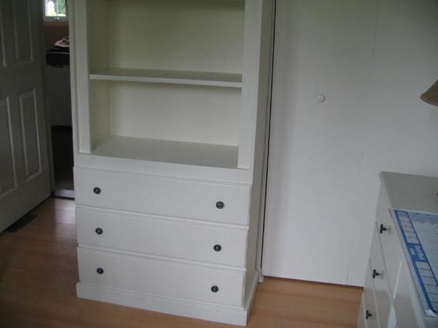 Bookcase with 3 bottom drawers (solid pine)