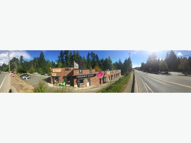 For rent retail or office space in a great location in Coombs BC