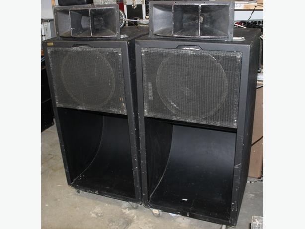 scoop bass bin 4530 JBL