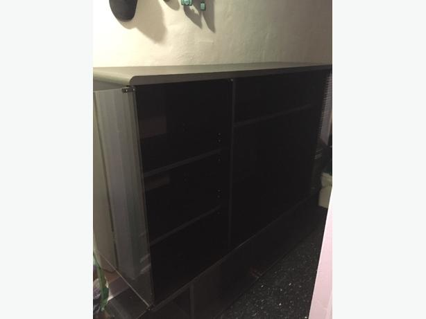 Black Wallunit
