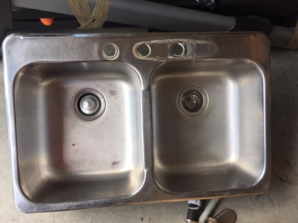 Kitchen Sink with Garburator