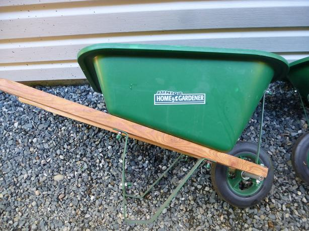 jr. gardener wheel barrow