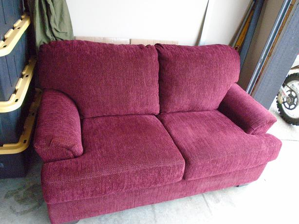 LIKE NEW  BURGUNDY COUCHES