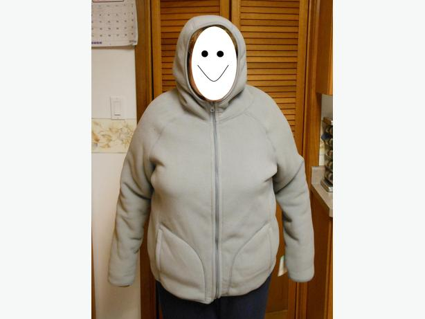 Reversible fleece and pile ladies hooded jacket