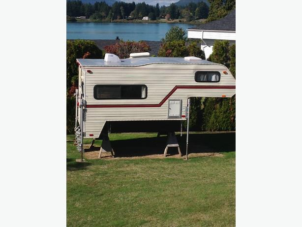 "1982 9'6"" Slumber Queen camper (Refurbished)"