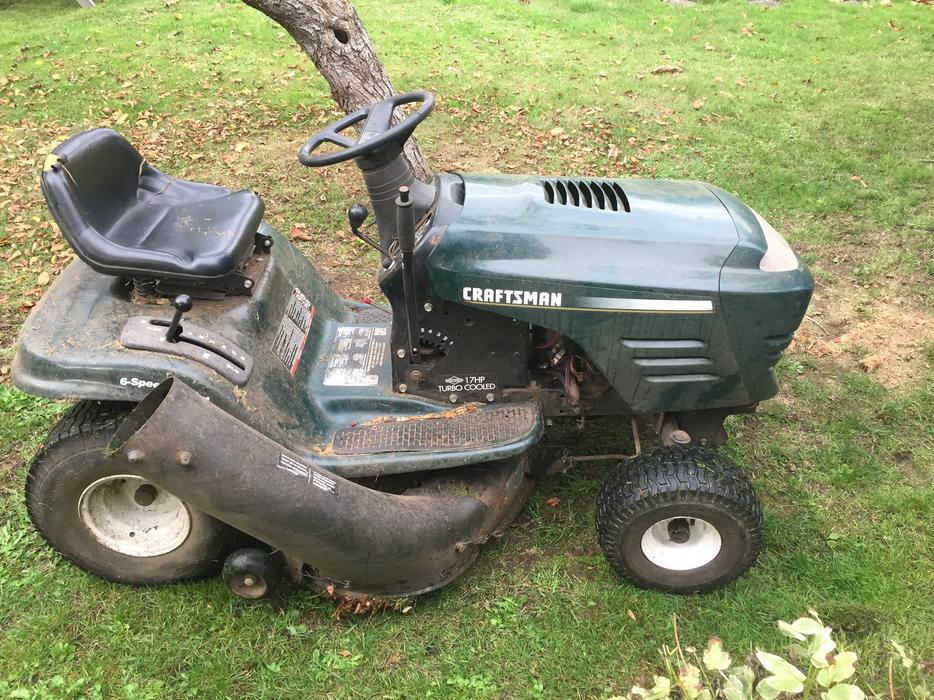 Craftsman Lawn Tractor For Repair Parts North Saanich