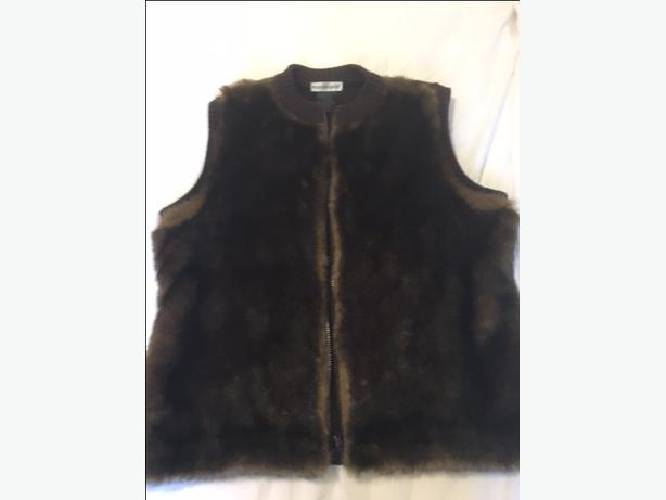 Parkhurst faux fur vest