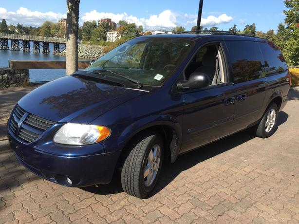 2005 DODGE GRAND CARAVAN STOW N GO