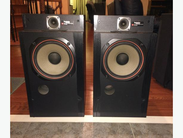 Vintage Technics 2-Way Floor-Standing Speakers	Linear Phase SB-4