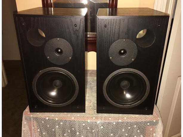 Quality Camber Bookshelf Speakers	0.5