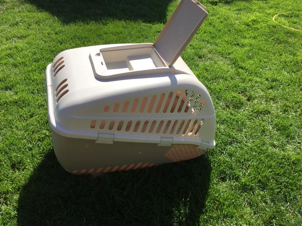 "Blitz X-Large 38"" x 26"" plastic dog crate"