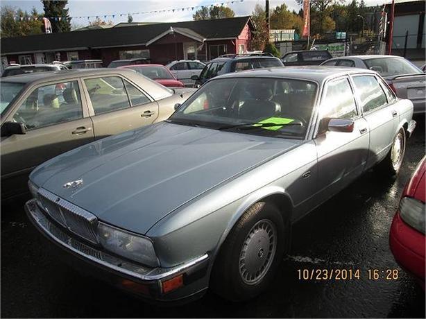1993 Jaguar Vanden Plas