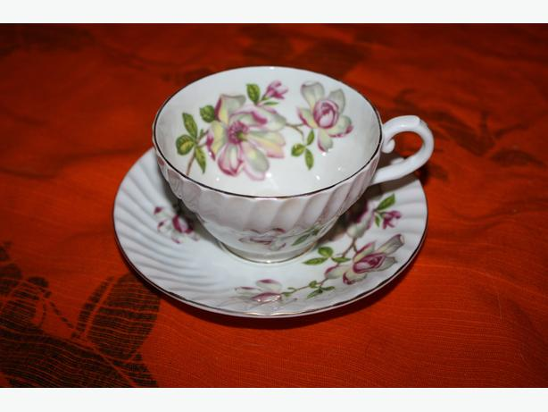 ENGLISH STANLEY BONE CHINA TEACUP TEA CUP