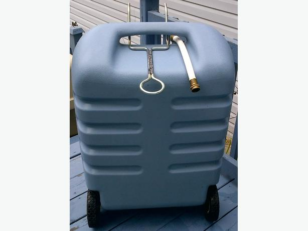 TOTE AND STORE PORTABLE WASTE TANK
