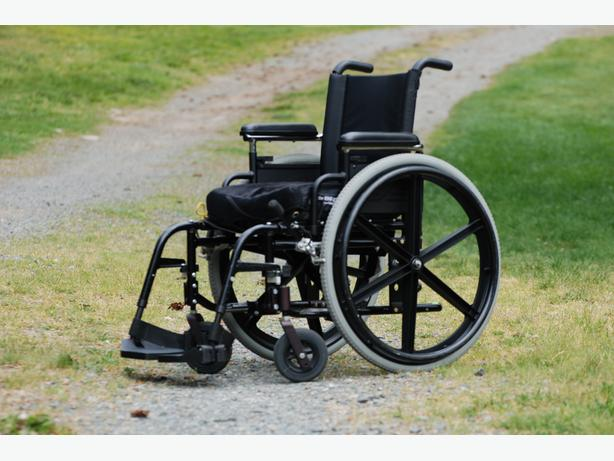 Small size wheel chair