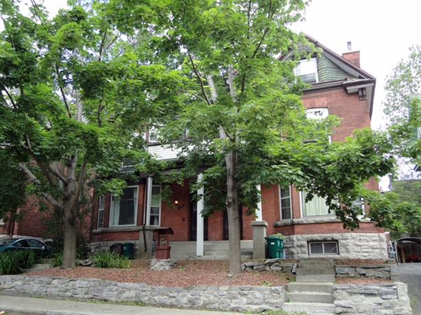 Large Heritage Style in Centretown
