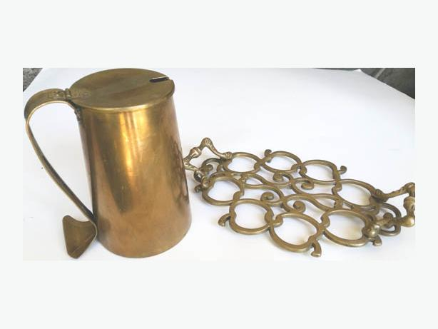 Brass Trivet Apples design and Stein