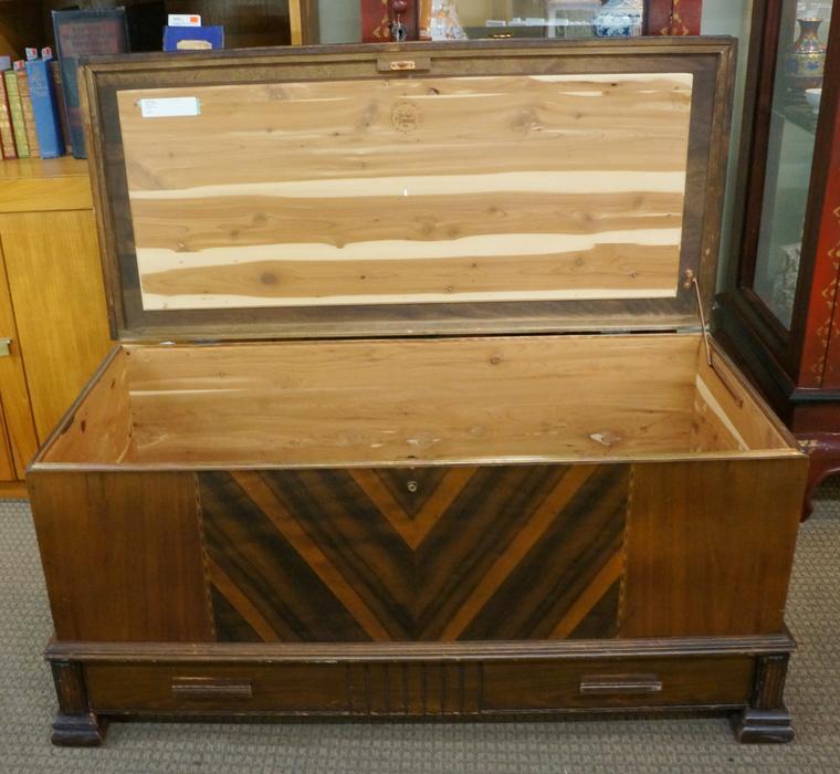 Honderich Furniture Co Cedar Lined Trunk I 59317 Victoria City Victoria