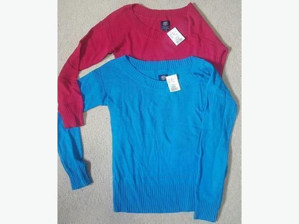 2 brand new large American Eagle sweaters