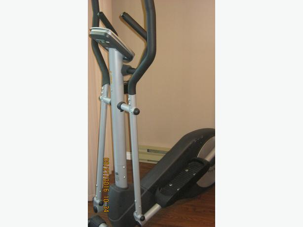 MANUAL BATTERY OPERATED  ELIPTICAL TRAINER MACHINE (VICTORIA)