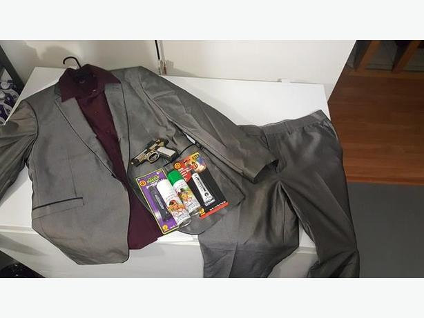 Mens Joker Costume fits XL