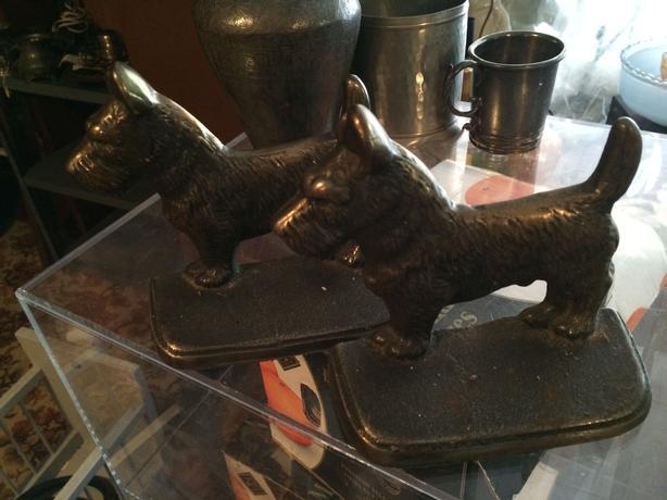 Pair of antique bronze Scottish Terrier book ends