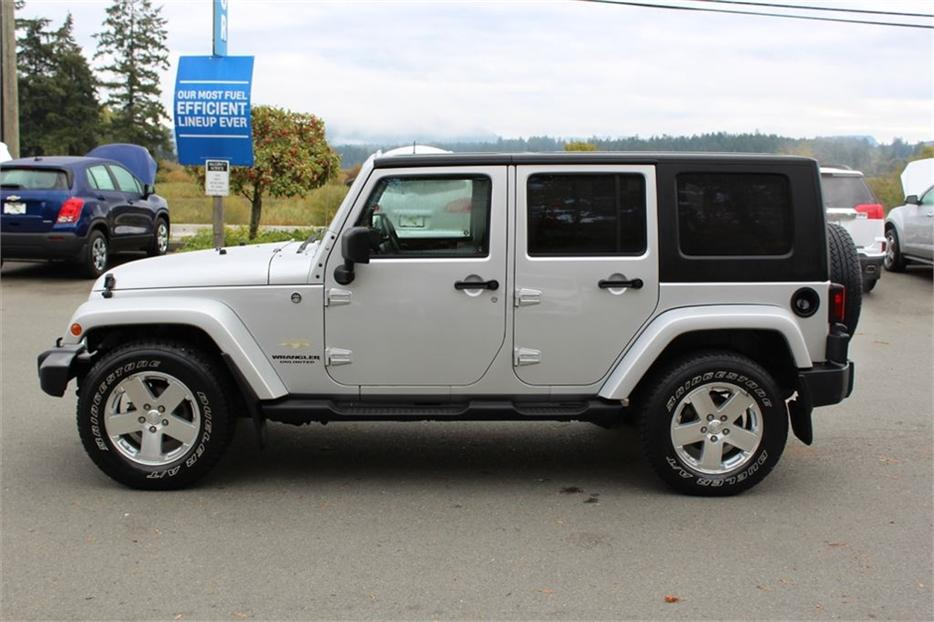 2008 Jeep Wrangler Unlimited Sahara Removable Hardtop