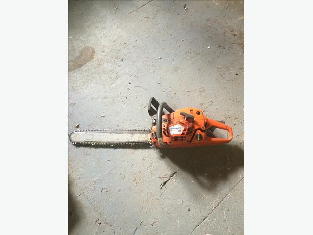 Husqvarna 555 XP chain saw