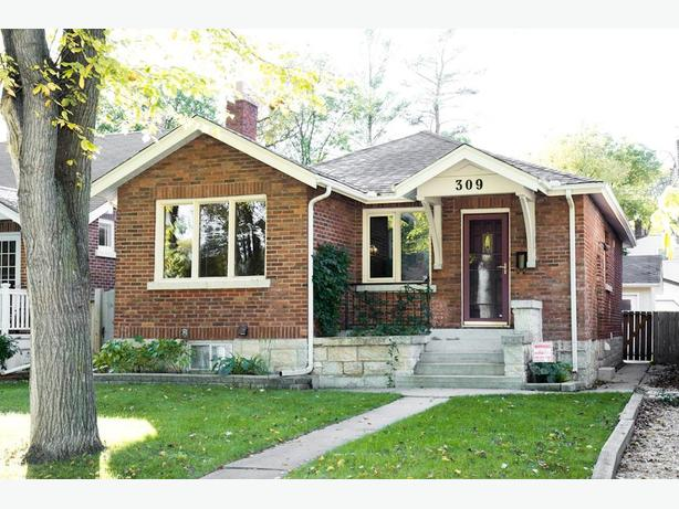 309 Campbell - Professionally Marketed by Judy Lindsay Team Realty