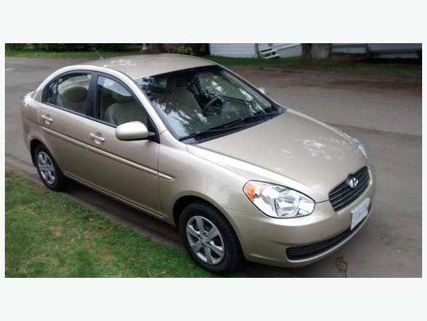 2010 HYUNDAI ACCENT 5 SPEED LOW KM MAY TAKE TRADE