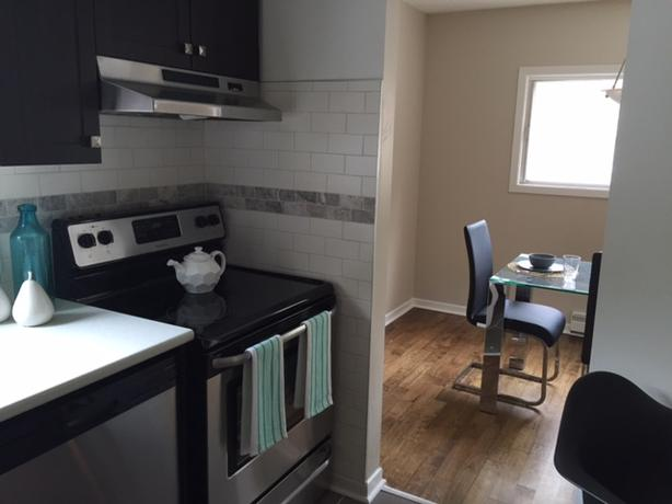 **AMENITY FILLED** THREE BDRM TOWNHOUSE FOR NOV OR DEC NEAR KANATA