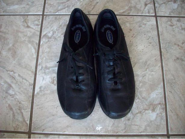 Ladies Dr. Scholl`s Black Sneakers - Size 8